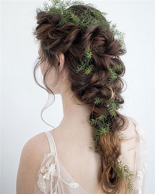齐刘海新娘造型推荐 齐刘海新娘发型扎法步骤