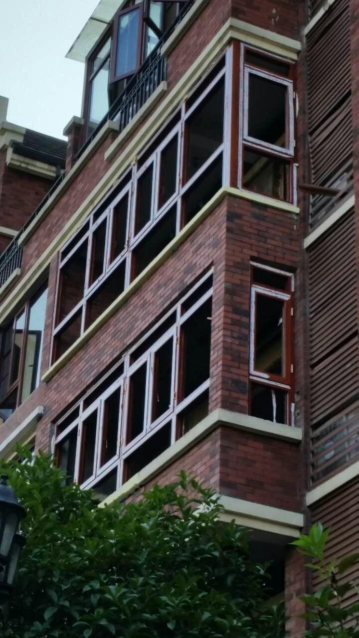 封阳台后可以使高层房屋多一层保护屏障.因此对于高