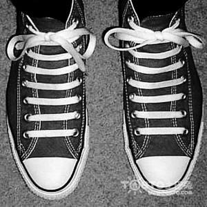 系鞋带蝴蝶结的方法图解 超详细步骤