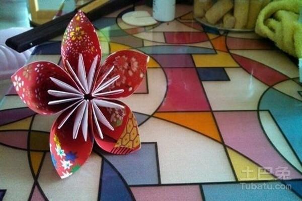 简单皱纹纸花的折法图解大全 波斯菊诞生记